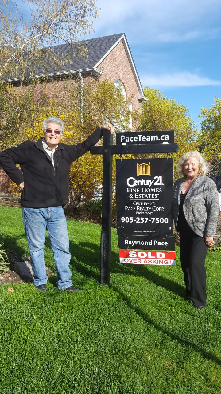 Ecstatic Sellers in Clearview Neighbourhood - SOLD OVER ASKING!