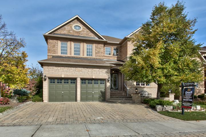 1564 Pinery Crescent, Oakville